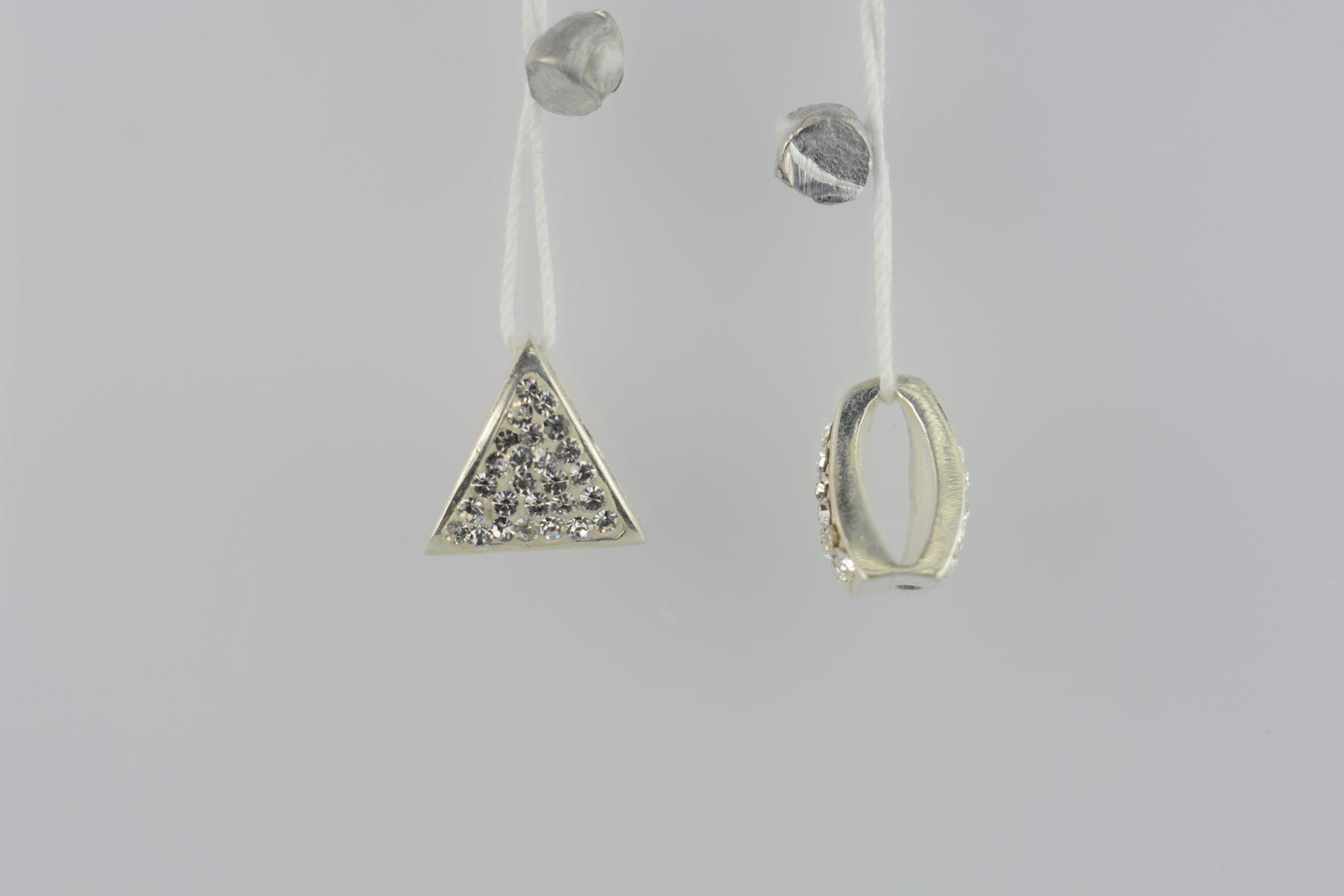 Купити ювелірний виріб Підвіска трикутник оздоблений сваровскі 6П145