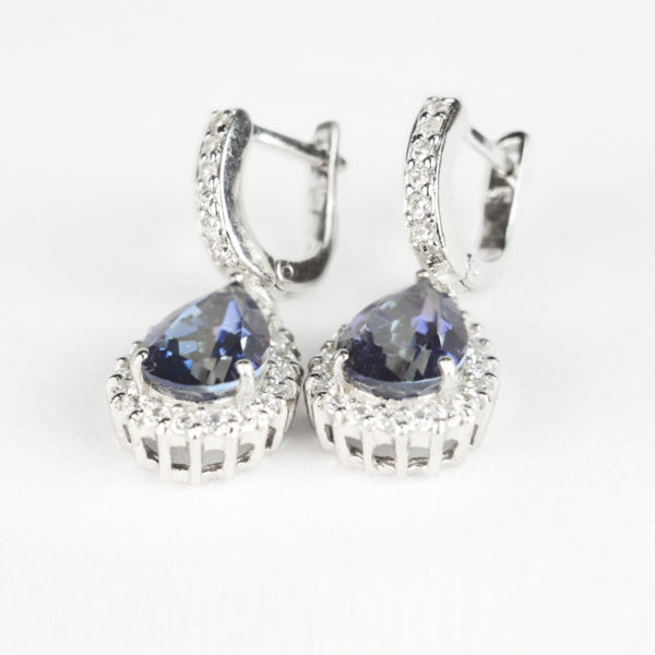 Сережки – підвіска на англійському замку, іоліт каплею в обрамлені фіанітів, фото 2